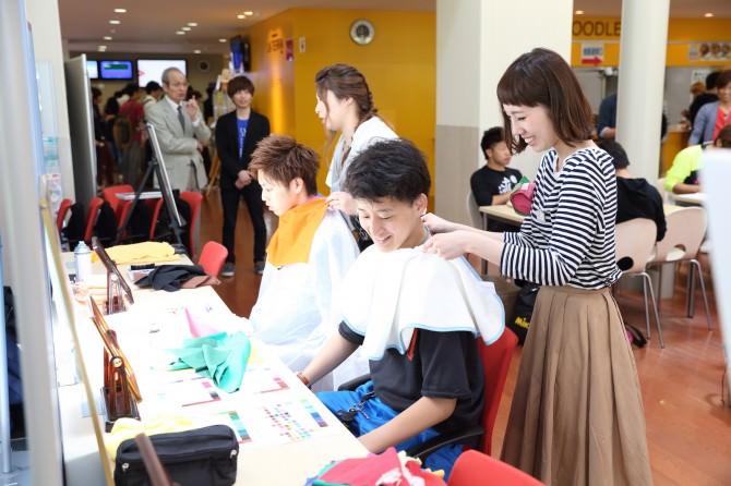 金沢工業大学でヘアアレンジ&カラーコーディネートの体験イベントを開催しました